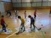 igramo-hokej-v-telovadnici